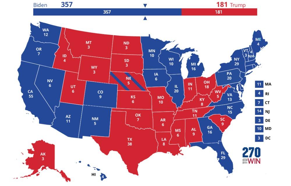 Carte de sondage catégorisant les états en rouge ou en bleu en fonction de qui est en tête dans la moyenne de sondage, le bleu pour les démocrates et le rouge pour les républicains.