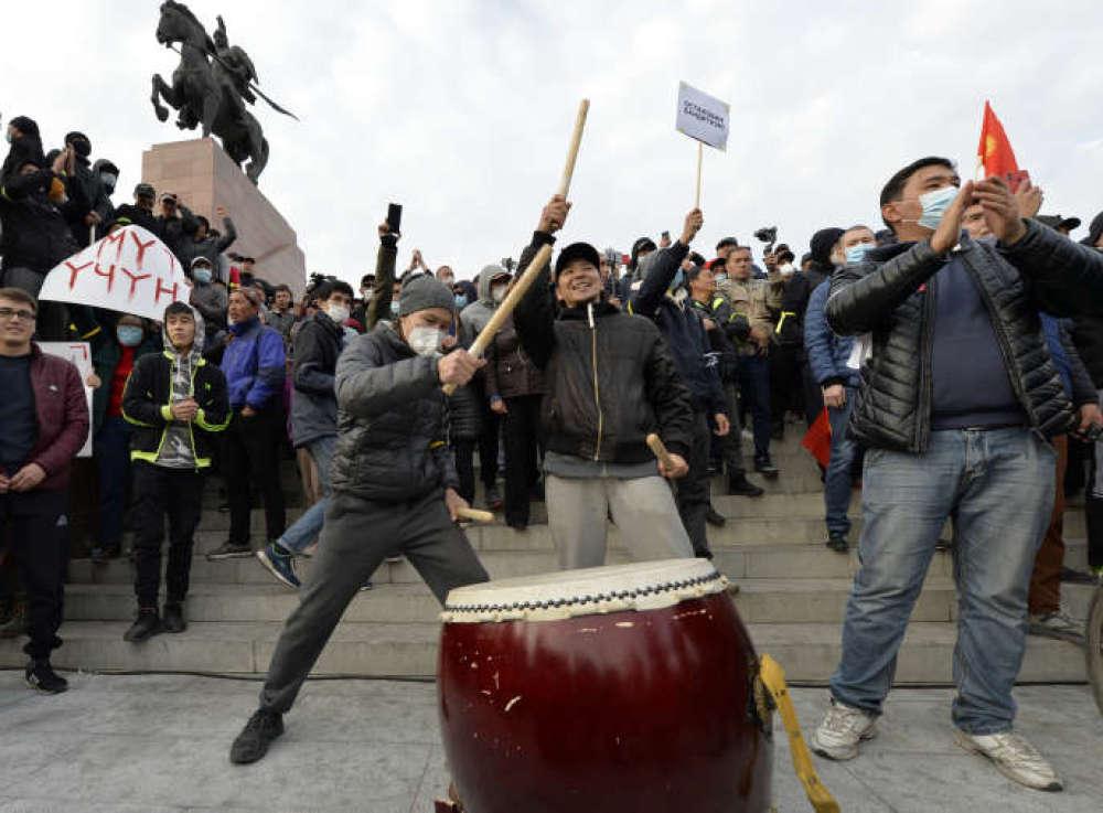 Kirghizistan : La légétimité du nouveau premier ministre remise en question